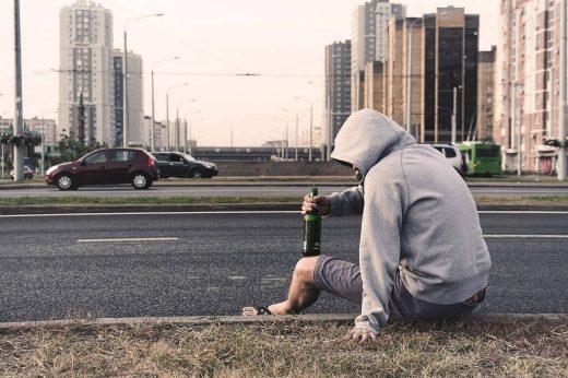 Alkoholizm - jak pomóc uzależnionemu?