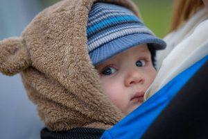 Chusty do noszenia dzieci - jak wiązać?