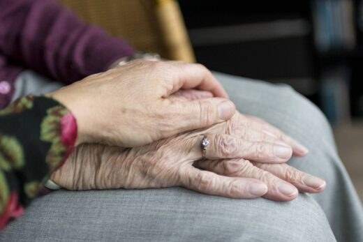 Opieka nad osobą leżącą — od czego zacząć?